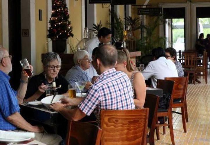 Entre los negocios sancionados se encuentran restaurantes y bares de la capital del Estado. (SIPSE)