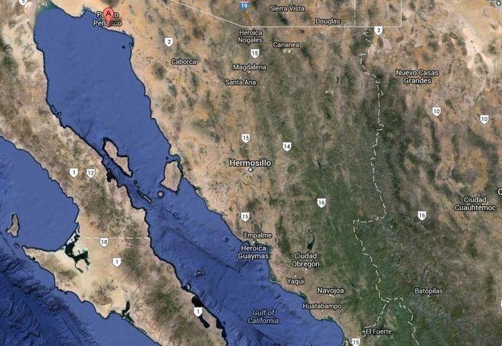 Los agentes federales que se enfrentaron en Punta Peñasco (mapa) a <i>Macho Prieto</i> y a sus hombres utilizaron helicópteros desde donde les dispararon.  (Google Maps)