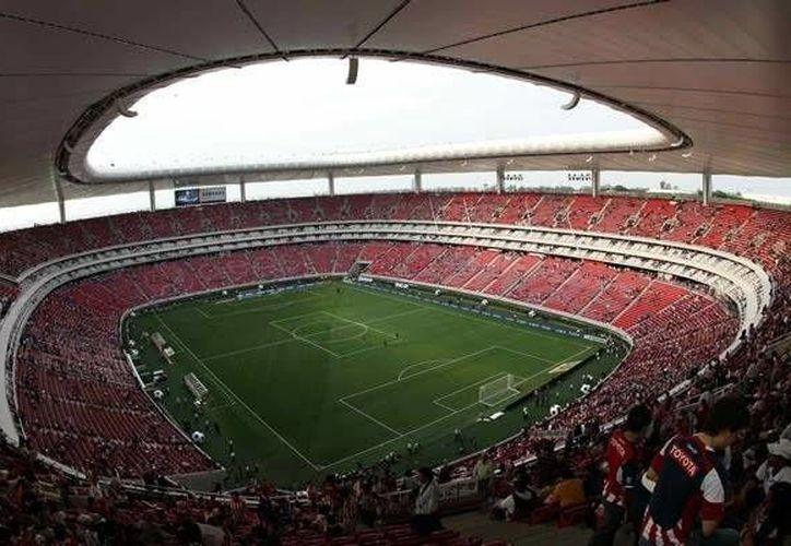 El Clásico Nacional se llevará a cabo el próximo domingo, ante un lleno en el Estadio 'Omnilife'.(Archivo/SIPSE)