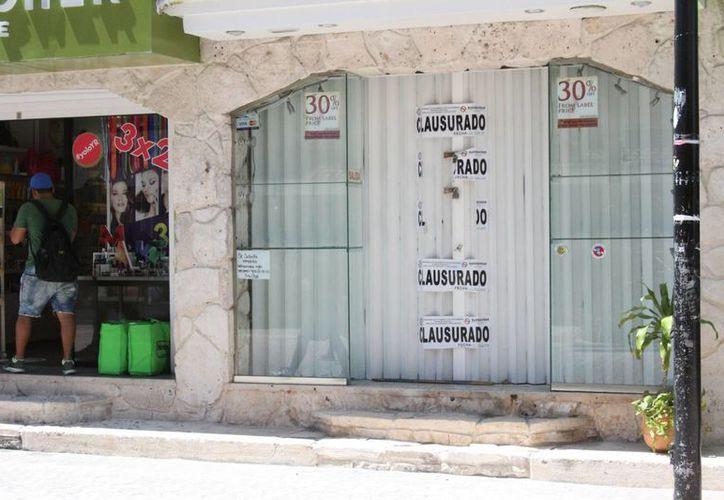 Dos farmacias fueron clausuradas por la Cofepris por vender medicamentos sin receta.  (María Mauricio/SIPSE)