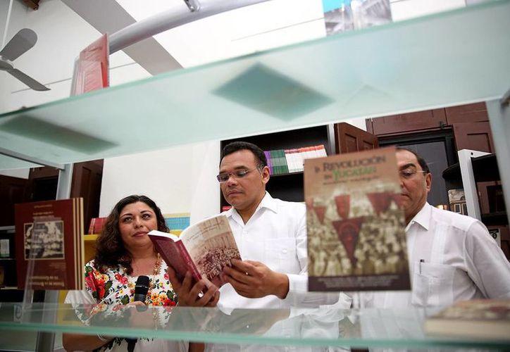 El Gobernador y el titular de la Segey recorrieron las instalaciones de la Unidad Editorial, Librería y Escuela de Música Yucateca. (Milenio Novedades)