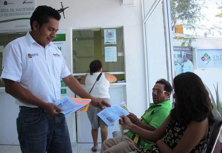 El ICAT está promocionando su nueva modalidad para impartir sus cursos: a domicilio. (Daniel Pacheco/SIPSE)