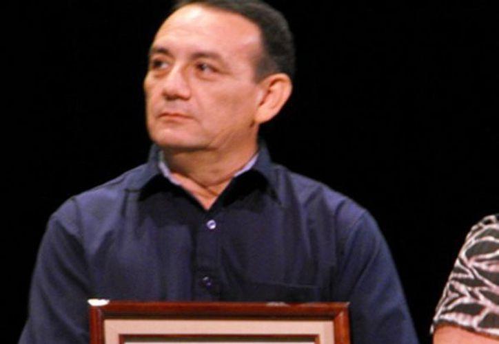 En la gráfica, el multigalardonado poeta, Javier España. (Redacción/SIPSE)