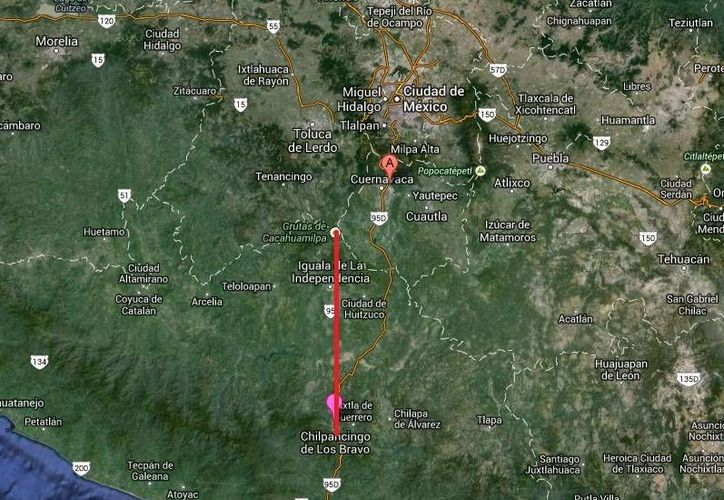 El accidente ocurrió en una curva del tramo Chilpancingo-Iguala. (Google Maps)