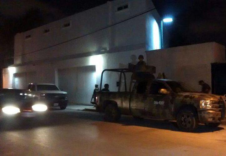 """Durante un operativo conjunto entre la Policía Judicial del Estado, PGR, Ejército Mexicano y Marina, se capturó a """"El Pipo"""". (Redacción/SIPSE)"""