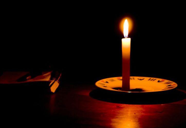 Habitantes de 50 colonias de Chetumal y localidades cercanas se quedaron varias horas sin energía eléctrica. (Contexto)