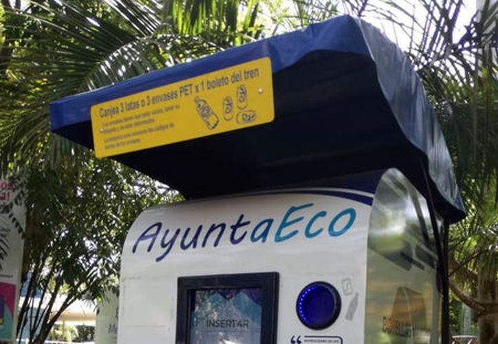 Contenedor para reciclar botellas. (Foto: Jorge Acosta/ Milenio Novedades)