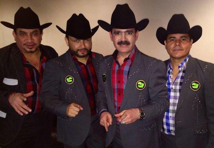 Los Tucanes de Tijuana se participarán en la transmisión del canal Fox Sports, minutos antes de que inicie el partido de la final de la NFL.(Foto tomada de Facebook/Los Tucanes de Tijuana)