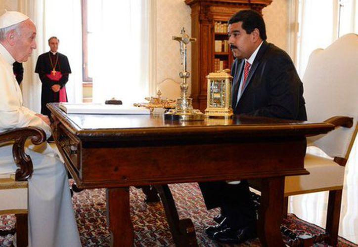 El papa Francisco y Nicolás Maduro (Foto: Twitter)