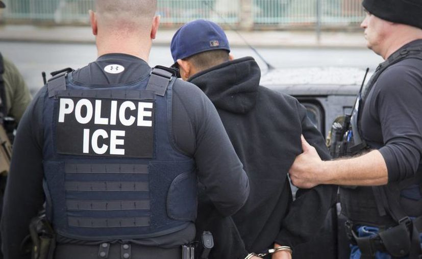 El presidente Trump amenazó con deportar a cientos de jóvenes 'dreamers' que fueron cobijados durante el mandato de Obama. (Charles Reed via AP)