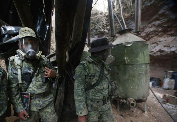 Soldados de la XV Zona Militar de Jalisco, desmantelaron tres narcolaboratorios en Guadalajara, presuntamente del cártel Jalisco Nueva Generación. (Notimex)