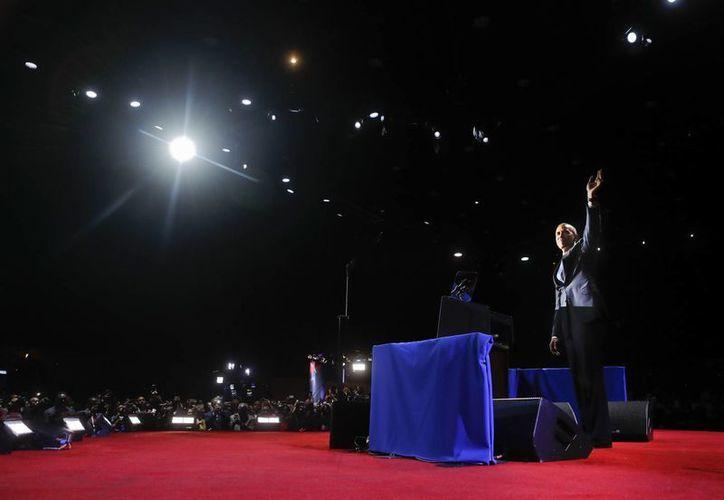 Con una gran ovación fue despedido Barack Obama tras su discurso de despedida el martes 10 de enero de 2016, en el centro de convenciones McCormick Place de Chicago. (AP/Pablo Martinez Monsivais)