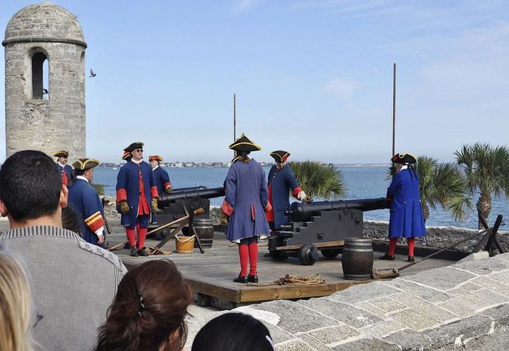 Voluntarios recrean momentos de la época colonial de La Florida. (Agencias)