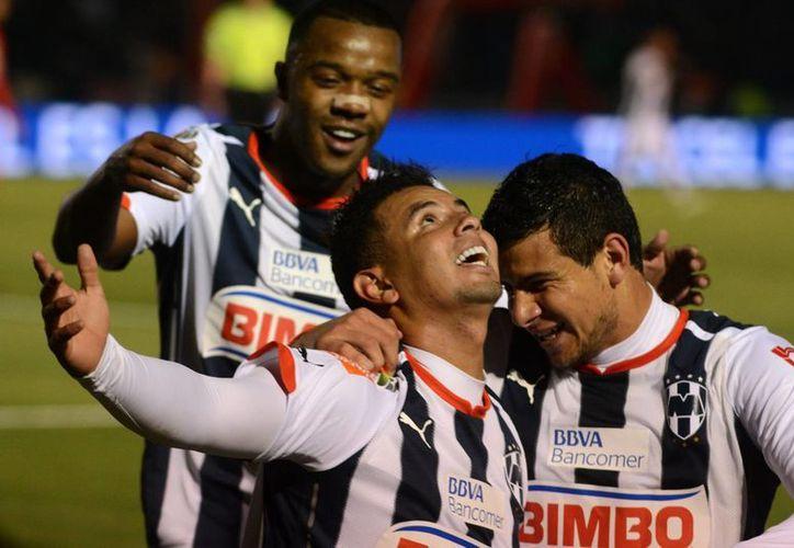 El colombiano, Edwin Cardona, marcó el tanto que le dio el empate a Monterrey frente a Morelia, en partido de la decima jornada de la Liga MX, celebrado en el Estadio BBVA Bancomer. (Archivo Notimex)
