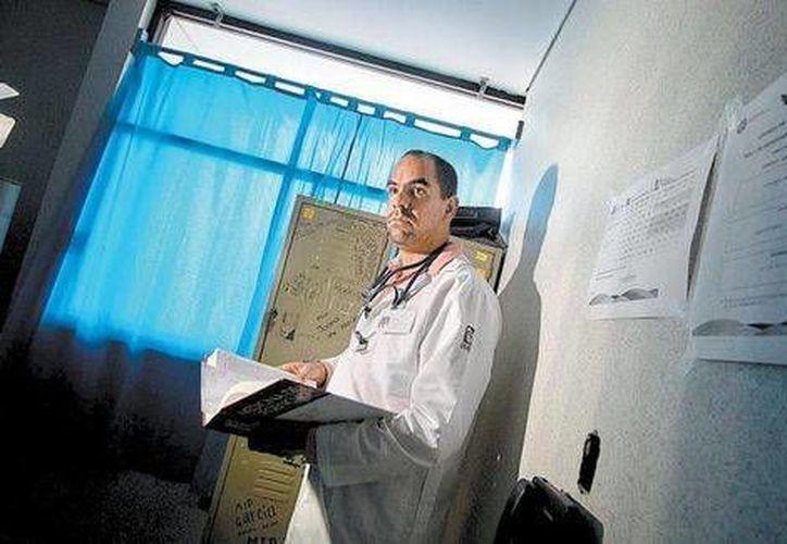 """""""Estuve muerto casi dos años, a punto de desear que me hubieran matado"""", refiere Oscar Valle, preso por error durante 21 meses. (Milenio)"""