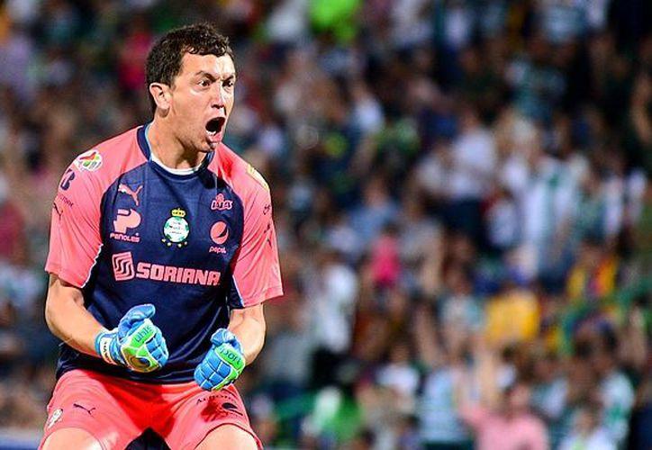 Santos señala que el jugador argentino y su representante, quisieron renegociar un contrato. (Internet)