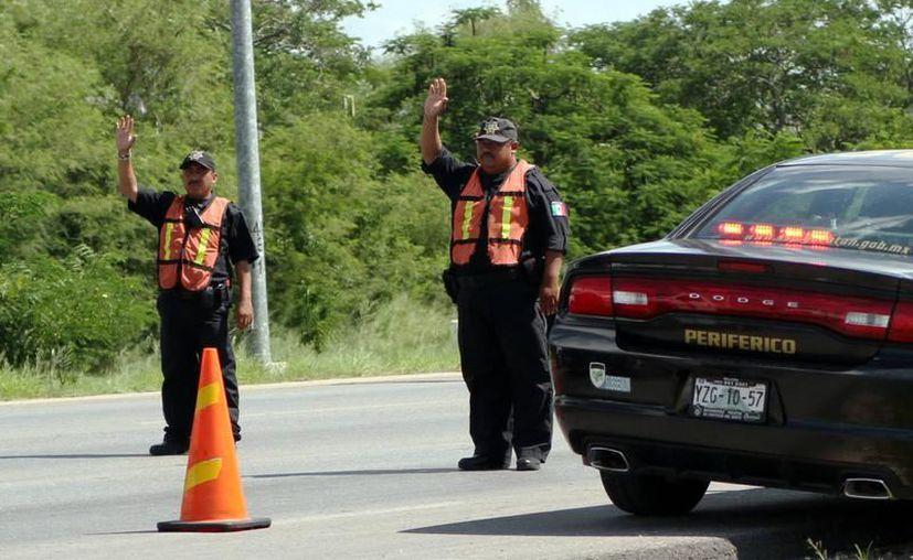 Con cercos policíacos planean impedir la llegada a Yucatán de delincuentes provenientes de Quintana Roo. (Milenio Novedades)