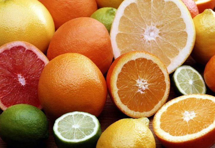"""""""Debido a que la vitamina C no tiene la posibilidad de ser patentada, su desarrollo no será apoyado por las compañías farmacéuticas"""", destacó Qi Chen, autor principal del estudio. (Internet)"""