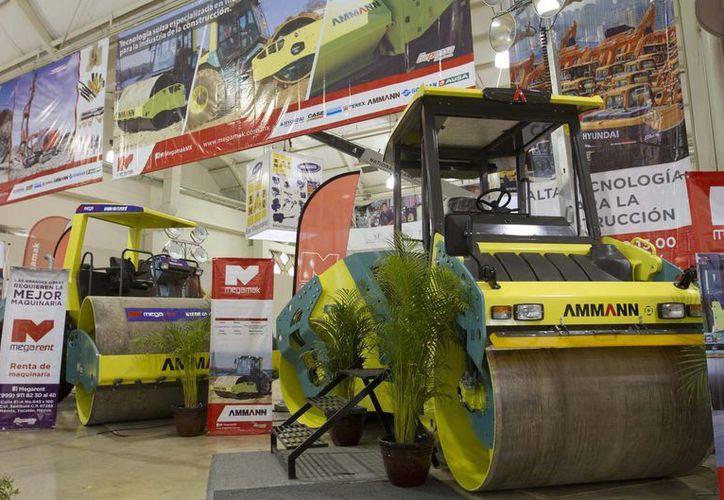 La Expo Construcción 2015 congrega a 180 expositores en el Centro de Convenciones Yucatán Siglo XXI. (Notimex)