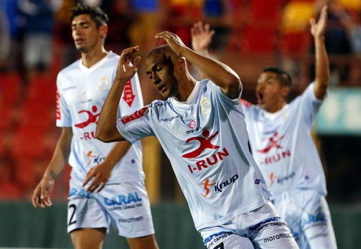 El acto racista se registró en el partido de la Copa Libertadores entre el Real Garcilaso y Cruzeiro brasileño del pasado 12 de febrero. (EFE/Archivo)