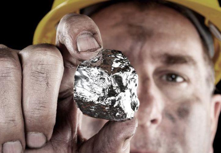 México produjo 196.4 millones de onzas de plata en 2017. (Shutterstock)