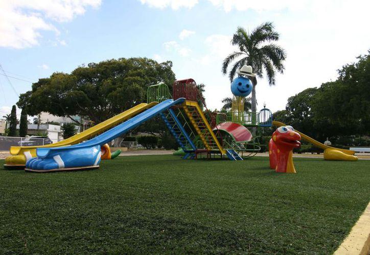 El parque de la Colonia México ahora luce con nuevas instalaciones para los niños. (Milenio Novedades)