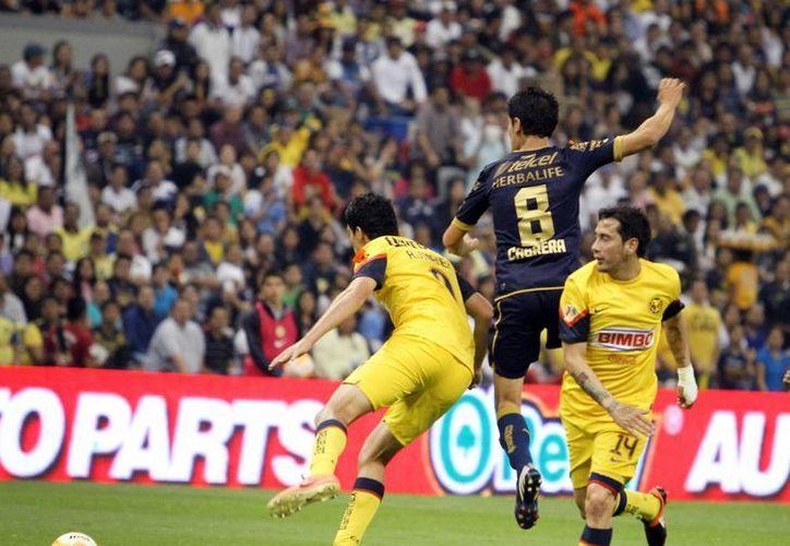 Pumas tratará de tomar revancha de la derrota por 0-1 que les infligió América en la fecha 15 del torneo regular. (Notimex/Archivo)