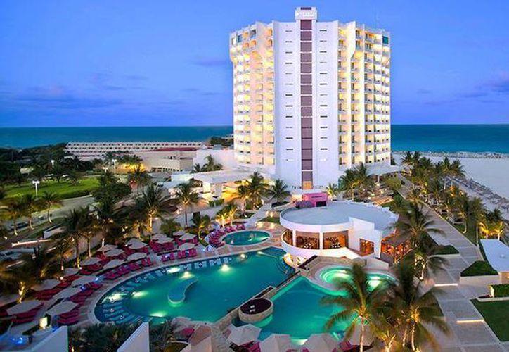 """El hotel Krystal Grand Punta Cancún fue reconocido como el mejor centro de hospedaje en la categoria de """"Hoteles de playa"""". (Contexto/Internet)"""