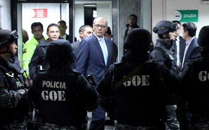 Sentencian a 6 años de prisión al vicepresidente de Ecuador