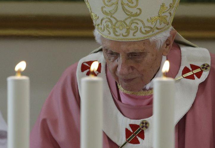 A través de un mensaje, el Papa Benedicto XVI quiso transmitir su más sincero dolor a los deudos de la reciente masacre en EU. (Agencias)