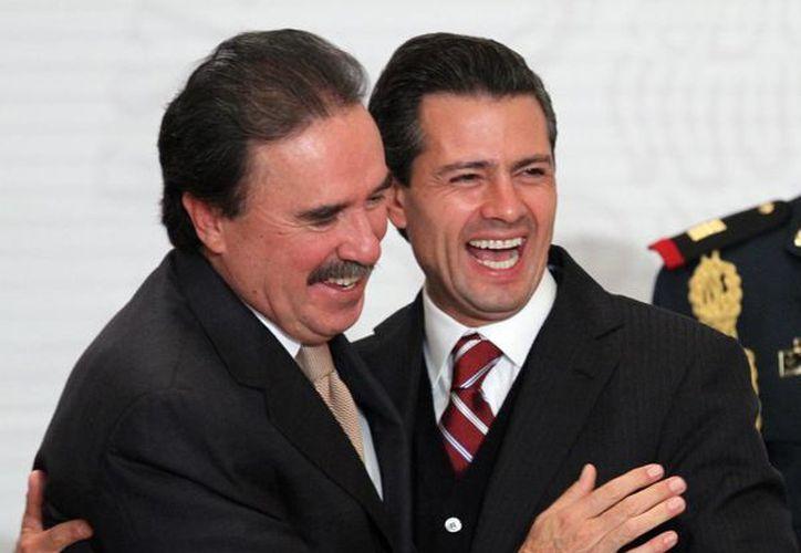 Emilio Gamboa Patrón y Enrique Peña Nieto. (Archivo/Notimex)