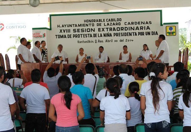 Celebración de la Décima Octava Sesión Extraordinaria. (Raúl Balam/SIPSE)