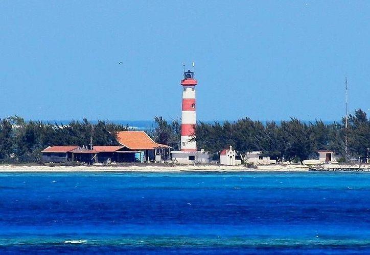 El Arrecife Alacranes sufre daños ecológicos por el navío encallado. (Manuel Pool/SIPSE)