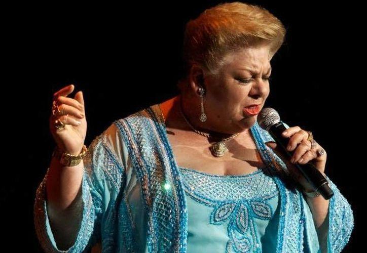 Paquita la del Barrio tampoco conocía las canciones de Ricardo Arjona, con quien grabó 'Ni tú, ni yo'. (Agencias).
