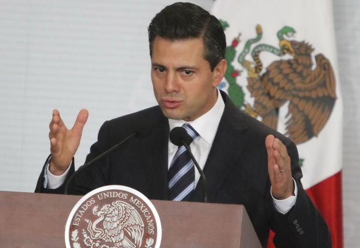 Peña Nieto instruyó al secretario de Economía, Ildefonso Guajardo, a diseñar un Plan de Desarrollo Innovador. (Notimex)