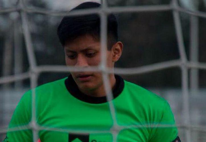 Meneses vistió la playera del Atlético Acayucan, Albinegros y SEP Puebla en la Tercera División. (Facebook)