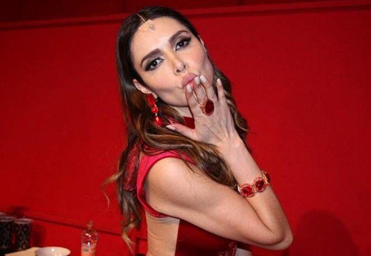Marlene Favela se encuentra de gira por diferentes ciudades de México, con la obra de teatro 'Por que las mujeres aman a las ca.....'(Notimex)