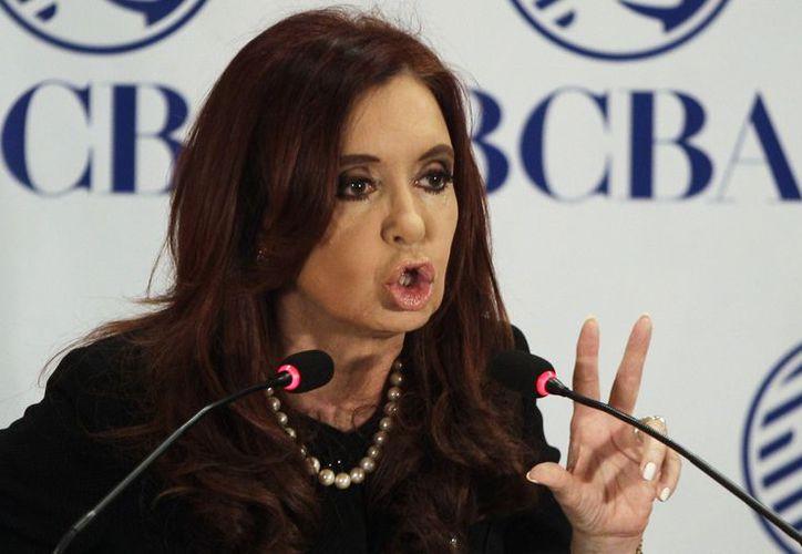 La presidenta Fernández enfrenta la peor crisis de popularidad tras su reelección en 2011. (Agencias)