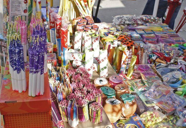 En Quintana Roo realizan compras de cohetes con motivo de las fiestas decembrinas. (Archivo)