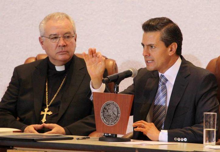 Peña Nieto dijo ante los prelados que su gobierno seguirá respetando la libertad de cultos. (Facebook/Enrique Peña Nieto)