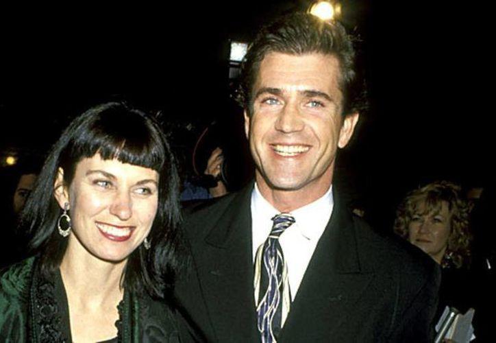 Mel Gibson tuvo que darle 425 millones de dólares a Robyn Moore al separarse de ella. (tnrelaciones.com)