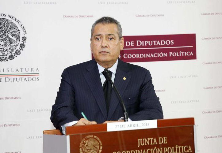 Manlio Fabio Beltrones dijo que la reforma política del Distrito Federal podría ser discutida en periodo extraordinario o bien hasta la próxima legislatura. (Notimex)