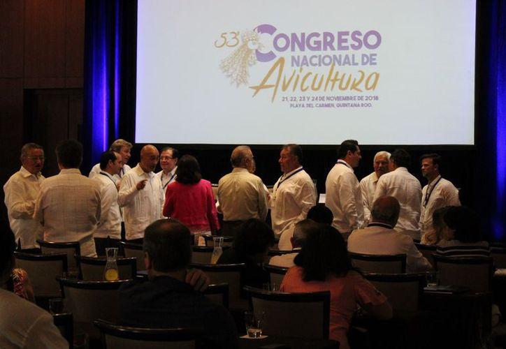 Se llevó a cabo el quincuagésimo tercero Congreso Nacional de Avicultura de la UNA. (Adrián Barreto/SIPSE)