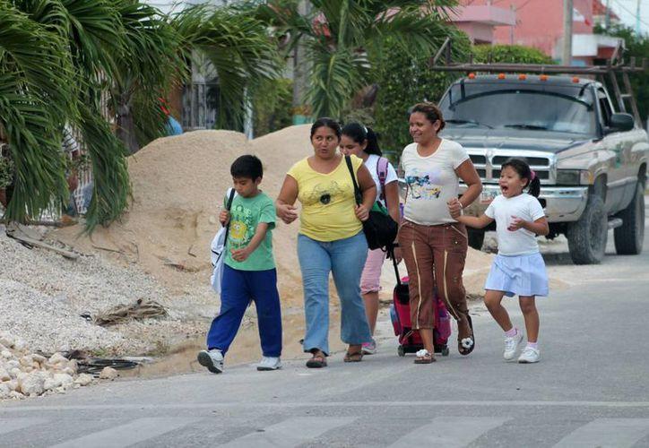 El Movimiento por los niños con Autismo de Quintana Roo, lleva a cabo diversas acciones con el objetivo de instaurar el próximo 2 de abril como el Día Mundial del Autismo. (Jorge Carrillo/SIPSE)