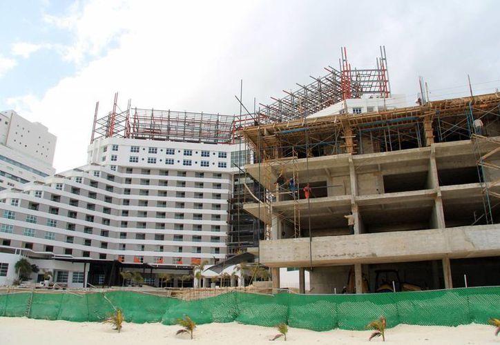 Avanza construcción de proyecto de ampliación en la zona hotelera. (Luis Soto/SIPSE)