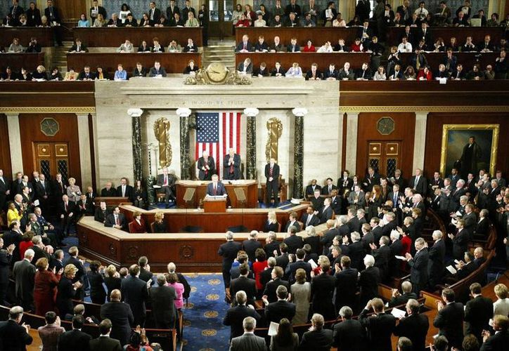 El Senado aprobó aumentar la deuda fiscal para reabrir la administración el jueves por la mañana. (Agencias)