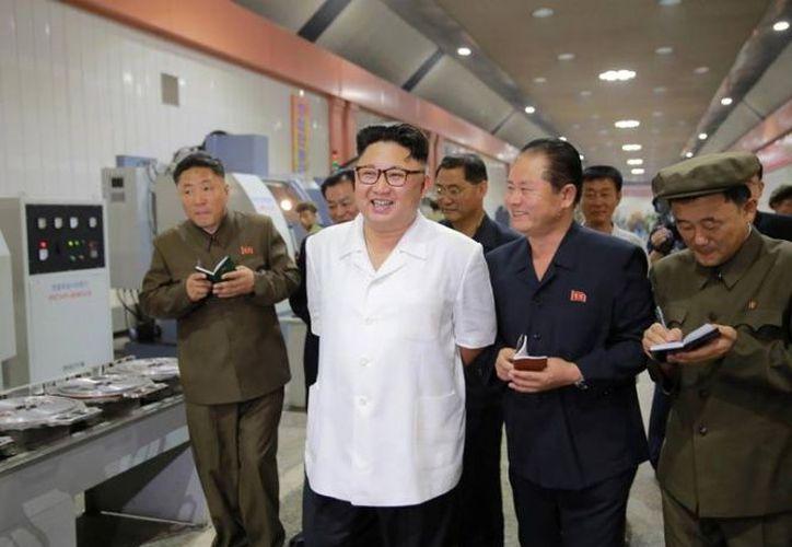 Un comité norcoreano de emergencia en contra de los ejercicios de guerra nuclear condenó las prácticas que navíos surcoreanos y estadounidenses. (Excelsior)