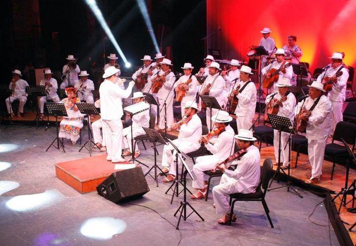La Orquesta Típica Yukalpetén es una de las agrupaciones de renombre que intervendrá en la Noche Yucateca. (SIPSE)