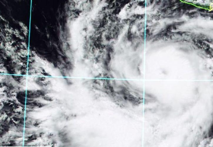 Las zonas de tormenta implican relámpagos, fuertes rachas de viento y caída de granizo. (Foto: Conagua Clima/Twitter)