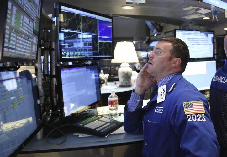 La Bolsa de Nueva York, uno de los principales mercados bursátiles del planeta, cerró un 2015 con números regulares. (EFE/Archivo)